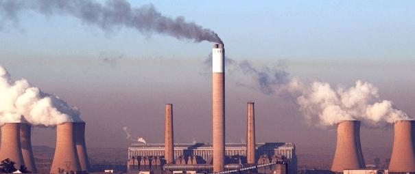 Voor 2030 zouden alle kolencentrales dicht moeten. Voor die tijd zou er volop Biomassa gestookt moeten worden.